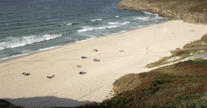 """Los nudistas alegan contra los """"guetos"""" de las playas con sentencias a su favor"""