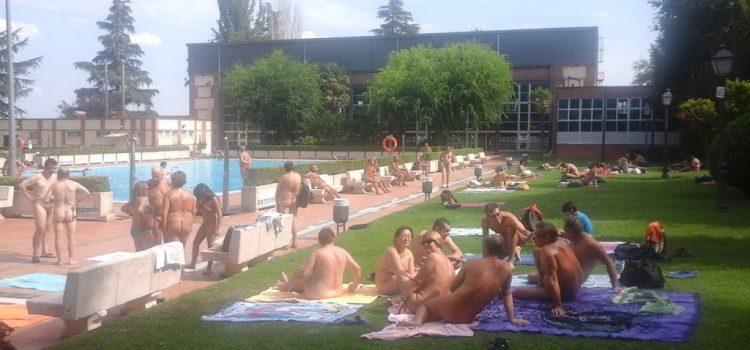 ¿La desnudez? una opción más para el baño