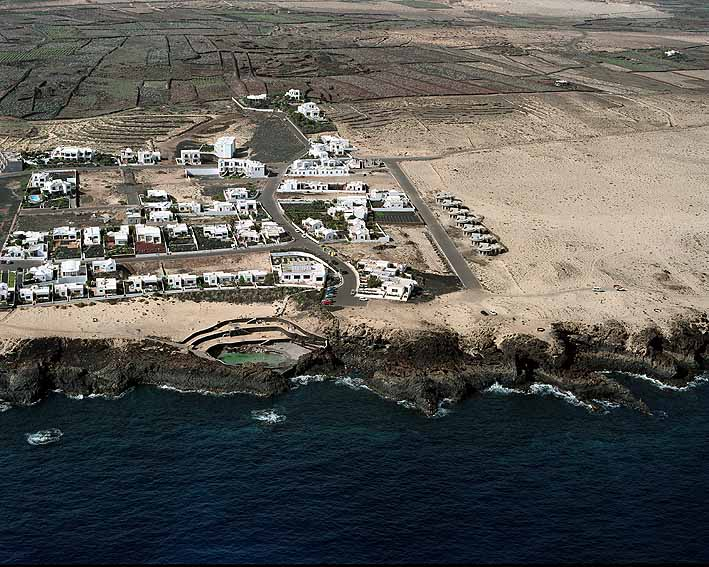 Charo del Palo. Lanzarote. Pueblo nudista.