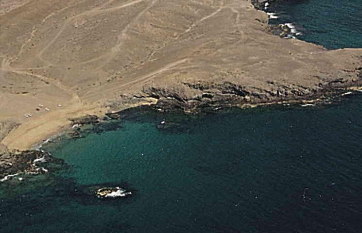 Playa nudista en Lanzarote, Puerto Muelas